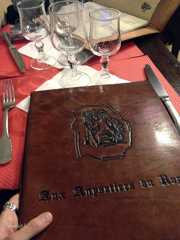 Aux Anysetiers du Roy Leather Menu