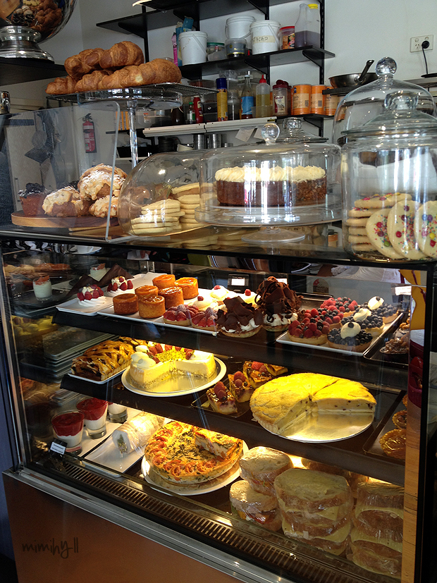 The sweets, pastries and sandwiches cabinet at Double Shot Espresso