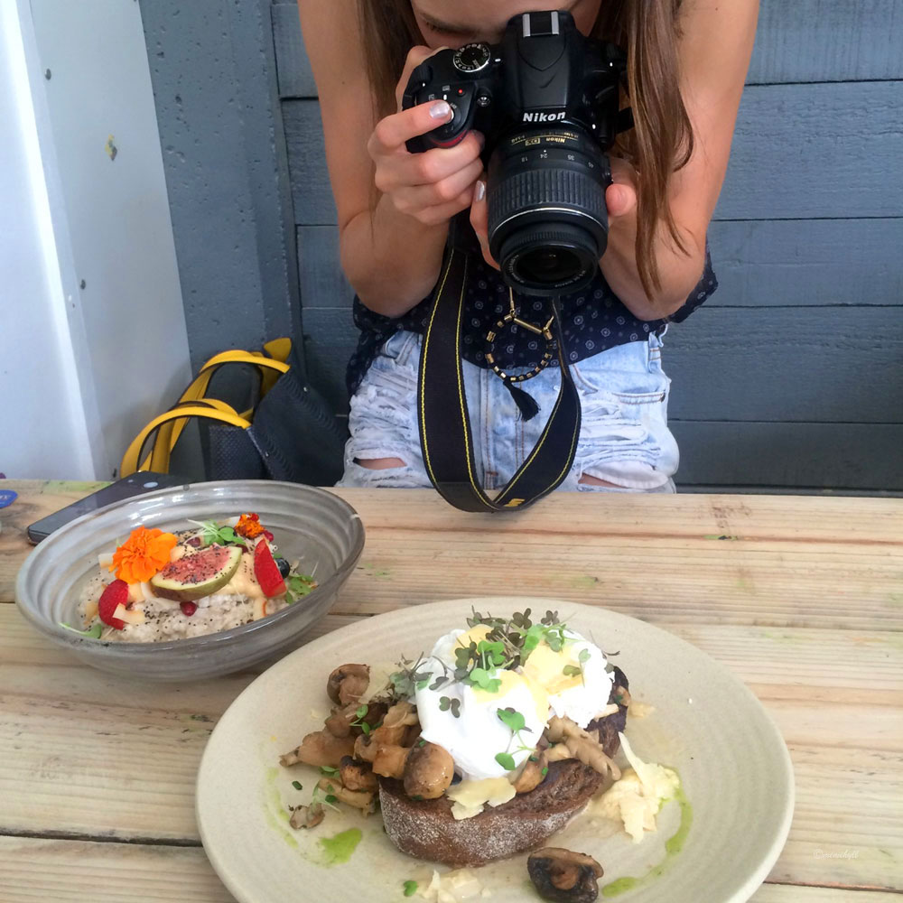 "Mimi Hyll at Little Loco Cafe ""Taking Photos of her Food"""